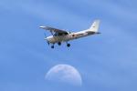アイトムさんが、岡山空港で撮影した岡山航空 172R Skyhawkの航空フォト(飛行機 写真・画像)