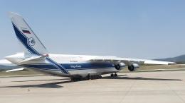 あおちゃんさんが、ウラジオストク空港で撮影したヴォルガ・ドニエプル航空 An-124-100 Ruslanの航空フォト(飛行機 写真・画像)