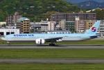 あしゅーさんが、福岡空港で撮影した大韓航空 777-3B5/ERの航空フォト(飛行機 写真・画像)