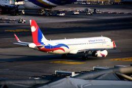 まいけるさんが、スワンナプーム国際空港で撮影したネパール航空 A320-233の航空フォト(飛行機 写真・画像)