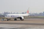 ちゃぽんさんが、羽田空港で撮影した日本航空 777-246/ERの航空フォト(飛行機 写真・画像)