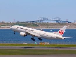 さんぜんさんが、羽田空港で撮影した日本航空 777-289の航空フォト(写真)
