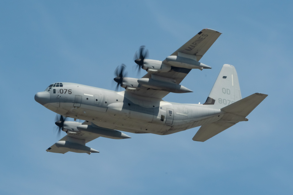 shingenさんのアメリカ海兵隊 Lockheed Martin C-130 Hercules (168075) 航空フォト