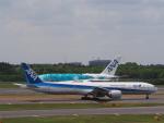 空港快速さんが、成田国際空港で撮影した全日空 777-381/ERの航空フォト(写真)