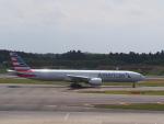 空港快速さんが、成田国際空港で撮影したアメリカン航空 777-323/ERの航空フォト(写真)