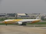 ランチパッドさんが、ドンムアン空港で撮影したノックスクート 777-212/ERの航空フォト(写真)