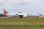 気分屋さんが、成田国際空港で撮影したアメリカン航空 777-323/ERの航空フォト(飛行機 写真・画像)