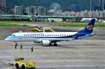amagoさんが、台北松山空港で撮影したマンダリン航空 ERJ-190-100 IGW (ERJ-190AR)の航空フォト(写真)