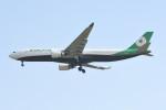 kuro2059さんが、台湾桃園国際空港で撮影したエバー航空 A330-302の航空フォト(写真)