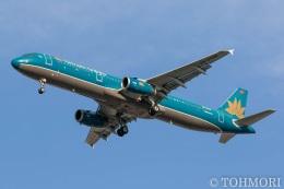遠森一郎さんが、福岡空港で撮影したベトナム航空 A321-231の航空フォト(飛行機 写真・画像)