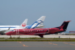 binmeiさんが、北九州空港で撮影したスパークル・ロール・ジェット EMB-135BJ Legacyの航空フォト(写真)