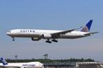 気分屋さんが、成田国際空港で撮影したユナイテッド航空 777-322/ERの航空フォト(飛行機 写真・画像)