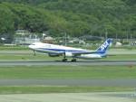 commet7575さんが、福岡空港で撮影した全日空 767-381/ERの航空フォト(写真)