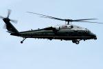 うめやしきさんが、厚木飛行場で撮影したアメリカ海兵隊 VH-60N White Hawk (S-70A)の航空フォト(写真)