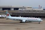 T.Sazenさんが、羽田空港で撮影したエア・カナダ 777-333/ERの航空フォト(飛行機 写真・画像)