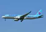 じーく。さんが、福岡空港で撮影した大韓航空 A220-300 (BD-500-1A11)の航空フォト(飛行機 写真・画像)