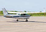 comdigimaniaさんが、鹿部飛行場で撮影した朝日航空 172Pの航空フォト(写真)