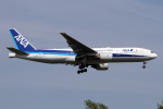 Echo-Kiloさんが、新千歳空港で撮影した全日空 777-281/ERの航空フォト(写真)