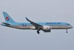 あしゅーさんが、福岡空港で撮影した大韓航空 A220-300 (BD-500-1A11)の航空フォト(写真)
