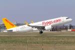 chrisshoさんが、シュトゥットガルト空港で撮影したペガサス・エアラインズ A320-251Nの航空フォト(写真)