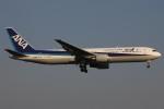コギモニさんが、小松空港で撮影した全日空 767-381/ERの航空フォト(写真)