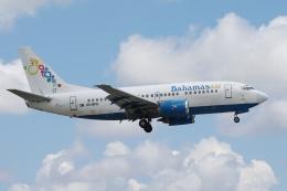 zettaishinさんが、マイアミ国際空港で撮影したバハマスエア 737-5H6の航空フォト(飛行機 写真・画像)