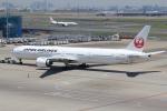 keitsamさんが、羽田空港で撮影した日本航空 777-346/ERの航空フォト(写真)
