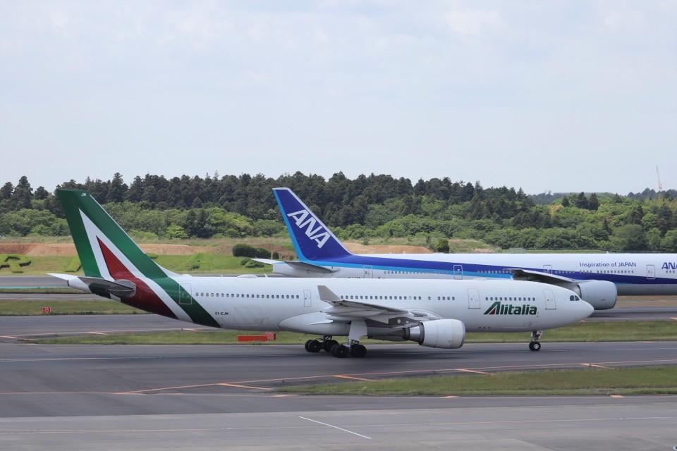 KAZFLYERさんのアリタリア航空 Airbus A330-200 (EI-EJM) 航空フォト