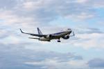 ぱん_くまさんが、成田国際空港で撮影した全日空 767-381/ERの航空フォト(写真)