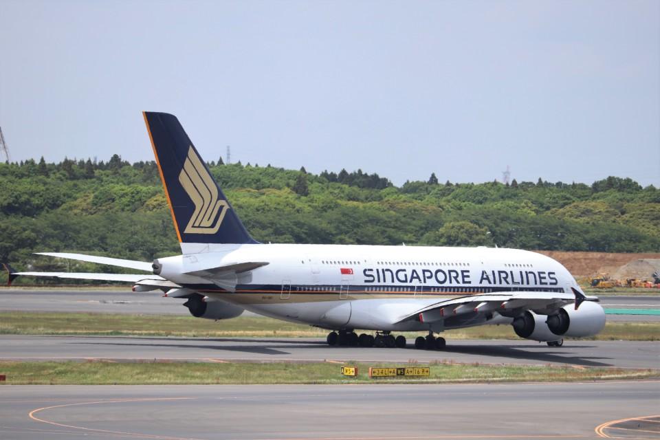 KAZFLYERさんのシンガポール航空 Airbus A380 (9V-SKI) 航空フォト
