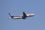 jjieさんが、羽田空港で撮影した全日空 777-281/ERの航空フォト(写真)