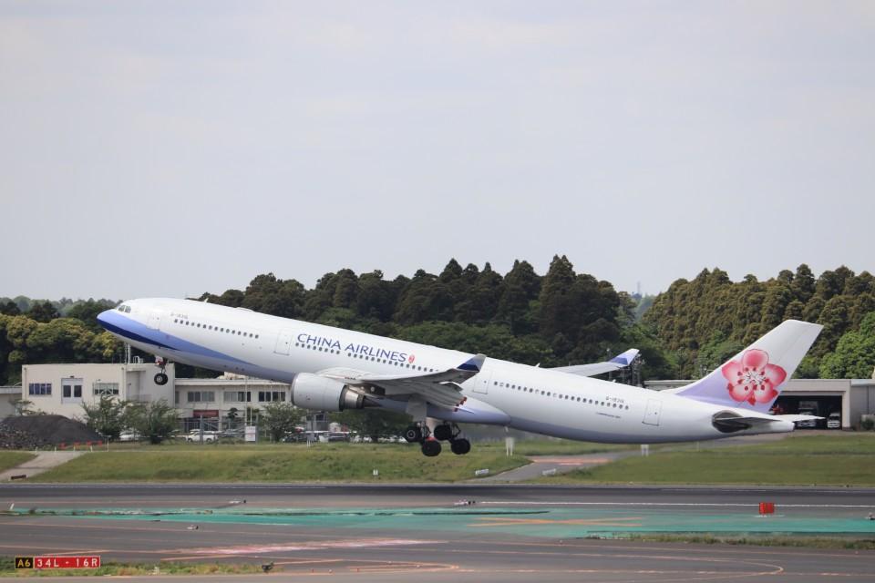 KAZFLYERさんのチャイナエアライン Airbus A330-300 (B-18316) 航空フォト