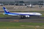 みるぽんたさんが、羽田空港で撮影した全日空 777-281の航空フォト(写真)