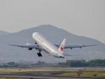 yossy602Aさんが、伊丹空港で撮影した日本航空 777-246の航空フォト(写真)