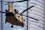 まんぼ しりうすさんが、赤坂プレスセンターで撮影したアメリカ陸軍 CH-47Fの航空フォト(写真)