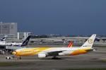 mild lifeさんが、関西国際空港で撮影したノックスクート 777-212/ERの航空フォト(写真)