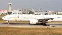 航空フォト:A6-ECY エミレーツ航空 777-300
