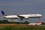 ☆ライダーさんが、成田国際空港で撮影したユナイテッド航空 777-322/ERの航空フォト(写真)