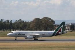 ilv583さんが、カターニア・フォンターナロッサ空港で撮影したアリタリア航空 A320-216の航空フォト(飛行機 写真・画像)