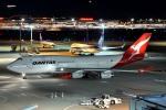 トロピカルさんが、羽田空港で撮影したカンタス航空 747-438の航空フォト(写真)