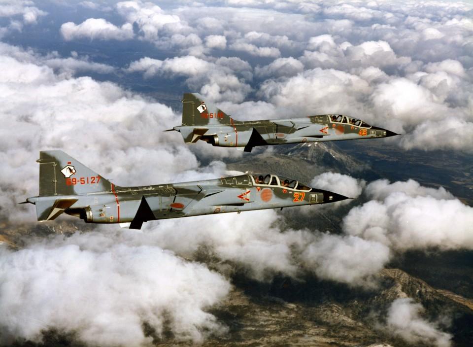 がいなやつさんの航空自衛隊 Mitsubishi T-2 (69-5127) 航空フォト