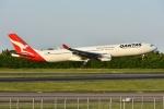 Izumixさんが、成田国際空港で撮影したカンタス航空 A330-303の航空フォト(写真)