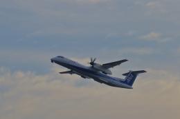 STAR TEAMさんが、伊丹空港で撮影したANAウイングス DHC-8-402Q Dash 8の航空フォト(写真)