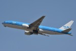 B747‐400さんが、成田国際空港で撮影したKLMオランダ航空 777-206/ERの航空フォト(写真)