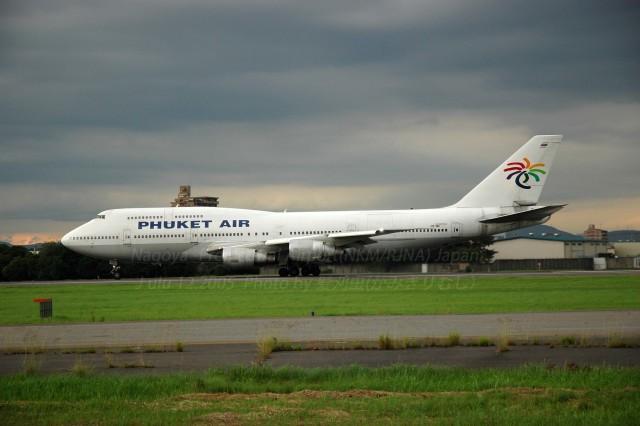 髪刈虫(かみきりむし)さんが、名古屋飛行場で撮影したプーケット航空 747-306Mの航空フォト(飛行機 写真・画像)