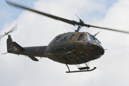 黄色の168さんが、真駒内駐屯地で撮影した陸上自衛隊 UH-1Jの航空フォト(飛行機 写真・画像)