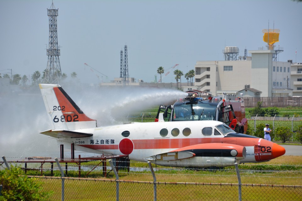 MiYABiさんの海上自衛隊 Beechcraft 90 King Air (6802) 航空フォト