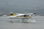 senyoさんが、バンクーバー・ハーバー・ウォーター空港で撮影したハーバー・エア・シープレーンズ DHC-2 Beaverの航空フォト(写真)