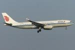 Snow manさんが、羽田空港で撮影した中国国際航空 A330-243の航空フォト(写真)