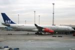 Hiro-hiroさんが、コペンハーゲン国際空港で撮影したスカンジナビア航空 A340-313Xの航空フォト(写真)